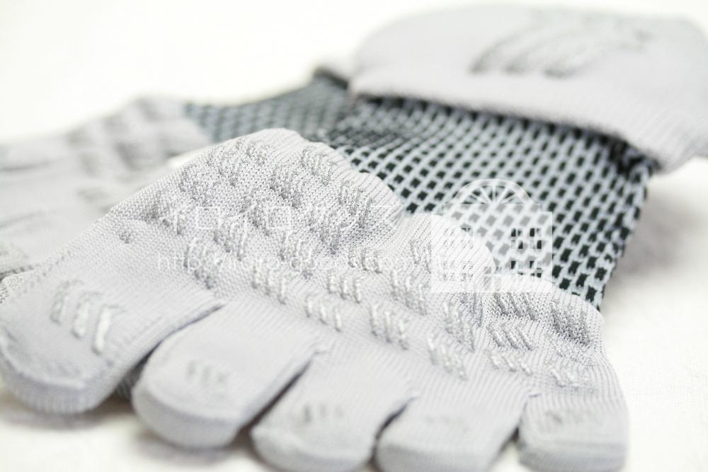 靴下専門店 Tabio (タビオ) レーシングランエアー5本指 レビュー クチコミ シリコンラバー加工の滑り止め